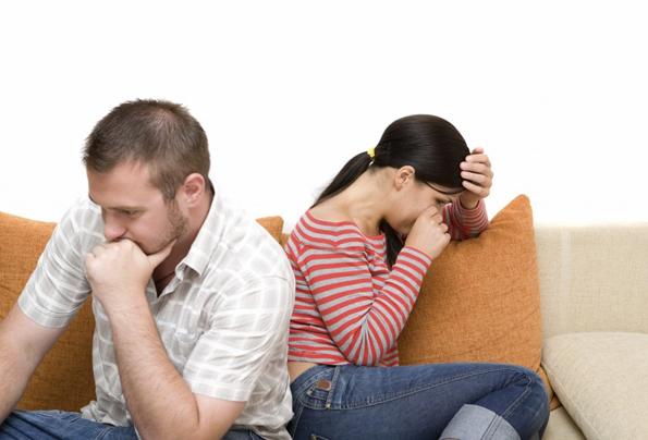 5 знаци дека вашиот партнер не е со вас затоа што ве сака, туку затоа што нема подобра опција