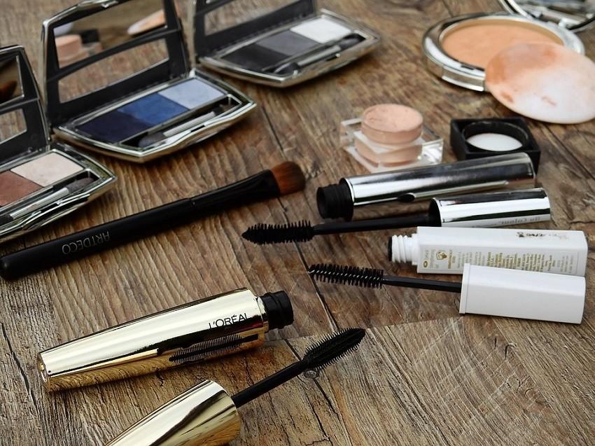1-5-kozmetichki-proizvodi-koi-treba-da-gi-chuvate-vo-frizhider-www.kafepauza.mk_