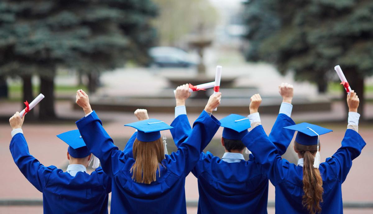 Хороскопските знаци откриваат: Што ќе правите откако ќе дипломирате?