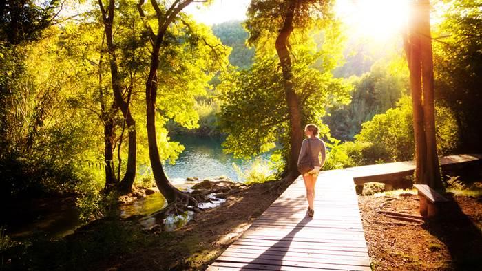 3-zdrav-son-pozitivna-nasmevka-i-kvalitetna-hrana-8-naviki-na-zdravite-lugje-www.kafepauza.mk_