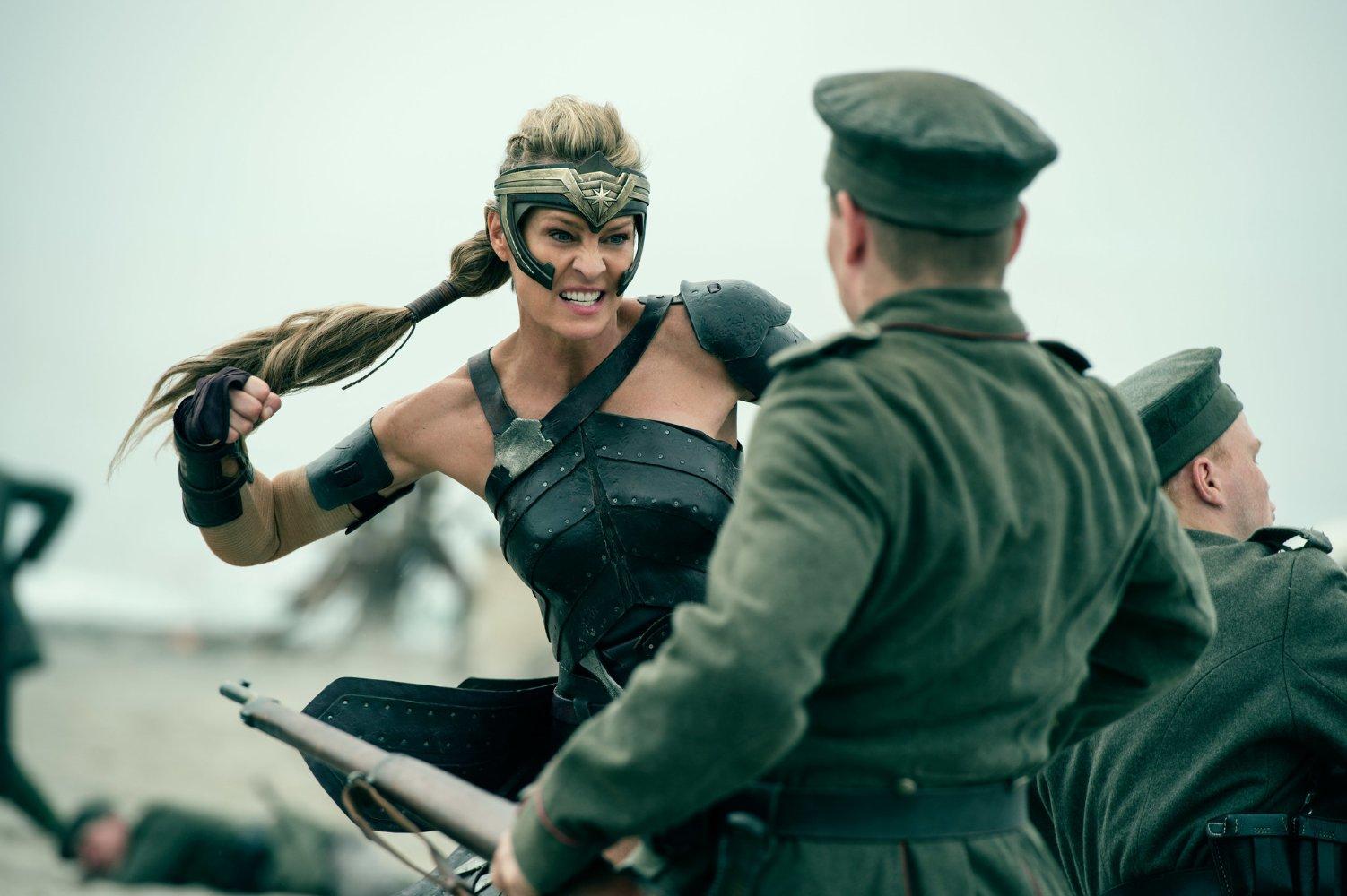(5) film-vonder-vuman-wonder-woman-www.kafepauza.mk