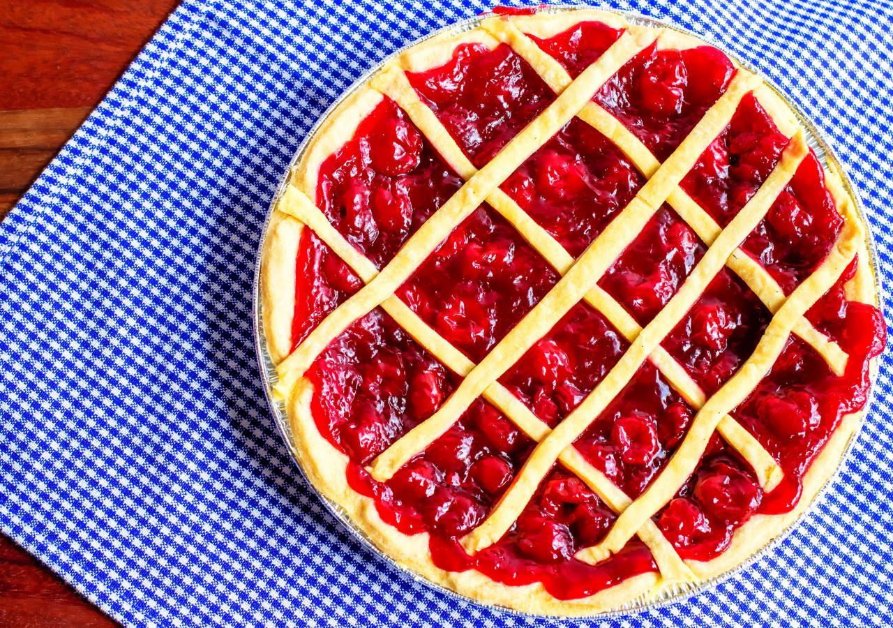 1-vkusen-i-osvezhuvachki-desert-tart-so-vishni-www.kafepauza.mk_