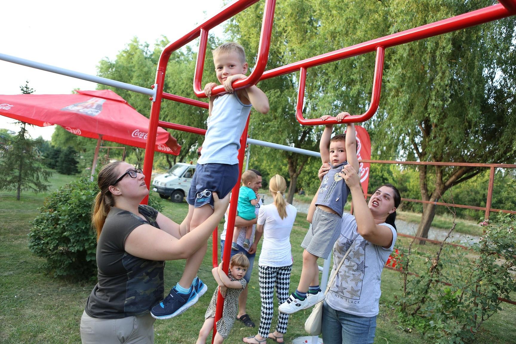 (2) kumanovo-dobi-sportsko-rekreativna-zona-donacija-od-pivara-skopje-i-kompanijata-coca-cola-www.kafepauza.mk
