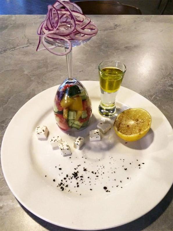 Ресторани кои имаат урнебесни идеи за послужување на храната