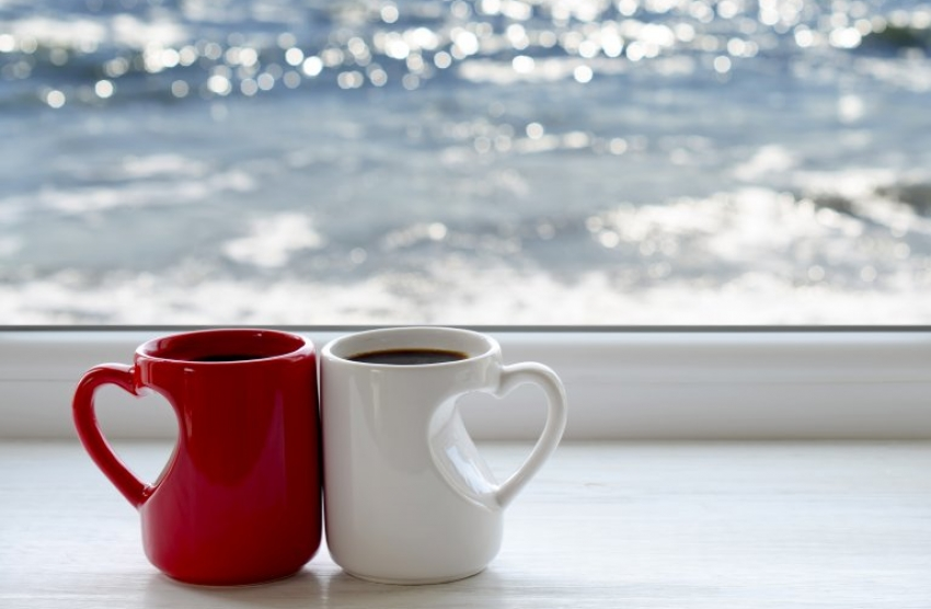 3-te-horoskopski-znaci-shto-najmnogu-uzhivaat-vo-kafe