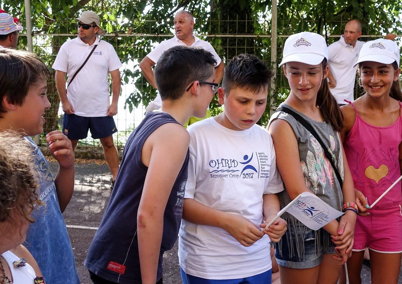 (3) zabava-i-uchenje-so-moja-kravica-na-sportskiot-leten-kamp-vo-ohrid-www.kafepauza.mk