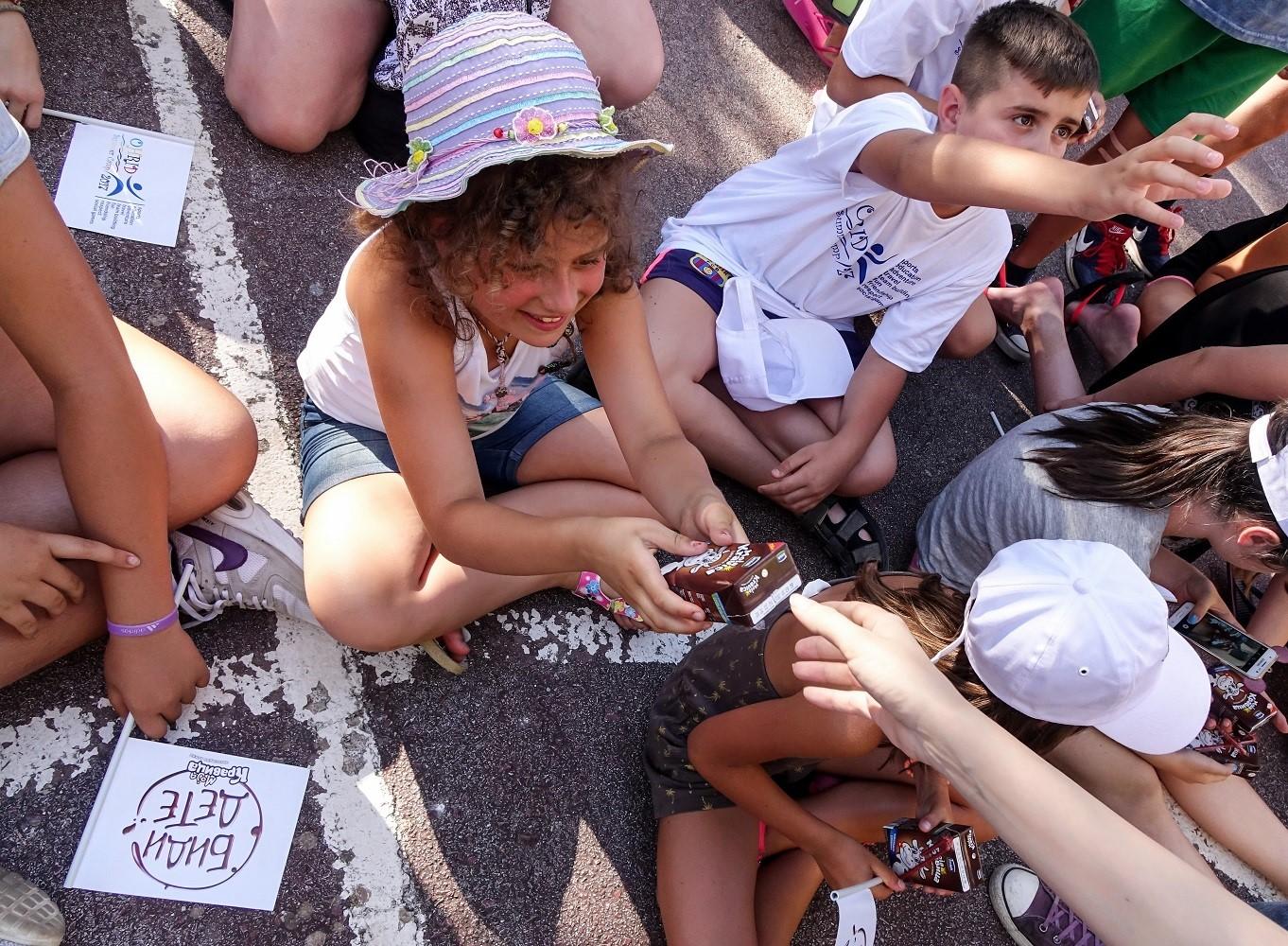 (6) zabava-i-uchenje-so-moja-kravica-na-sportskiot-leten-kamp-vo-ohrid-www.kafepauza.mk