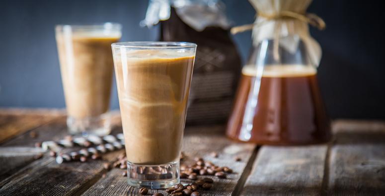 proteinski-shejk-so-kofein-napolnete-se-so-energija-za-vikendot-shto-sleduva