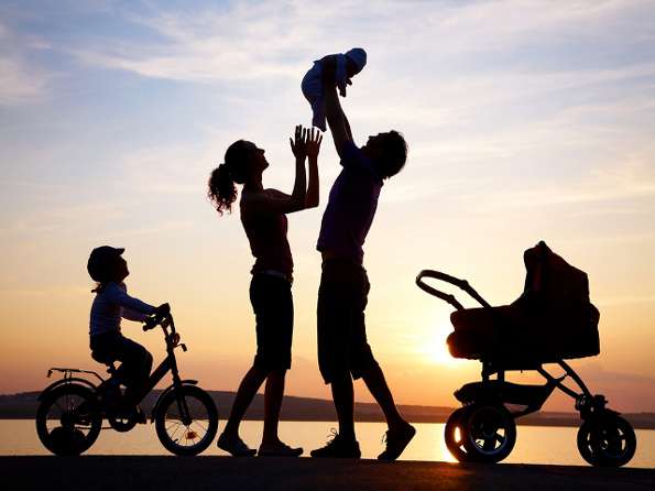 Сакате да одгледате посреќни деца? Прочитајте ги советите на Данците