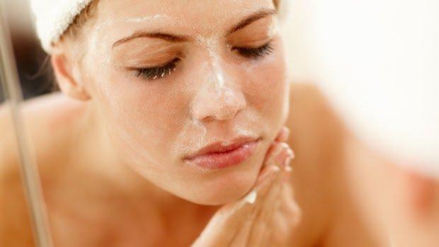 (2)tajni-za-ishranata-od-dermatolog-koi-kje-ja-napravat-vashata-kozha-sovrshena-kafepauza.