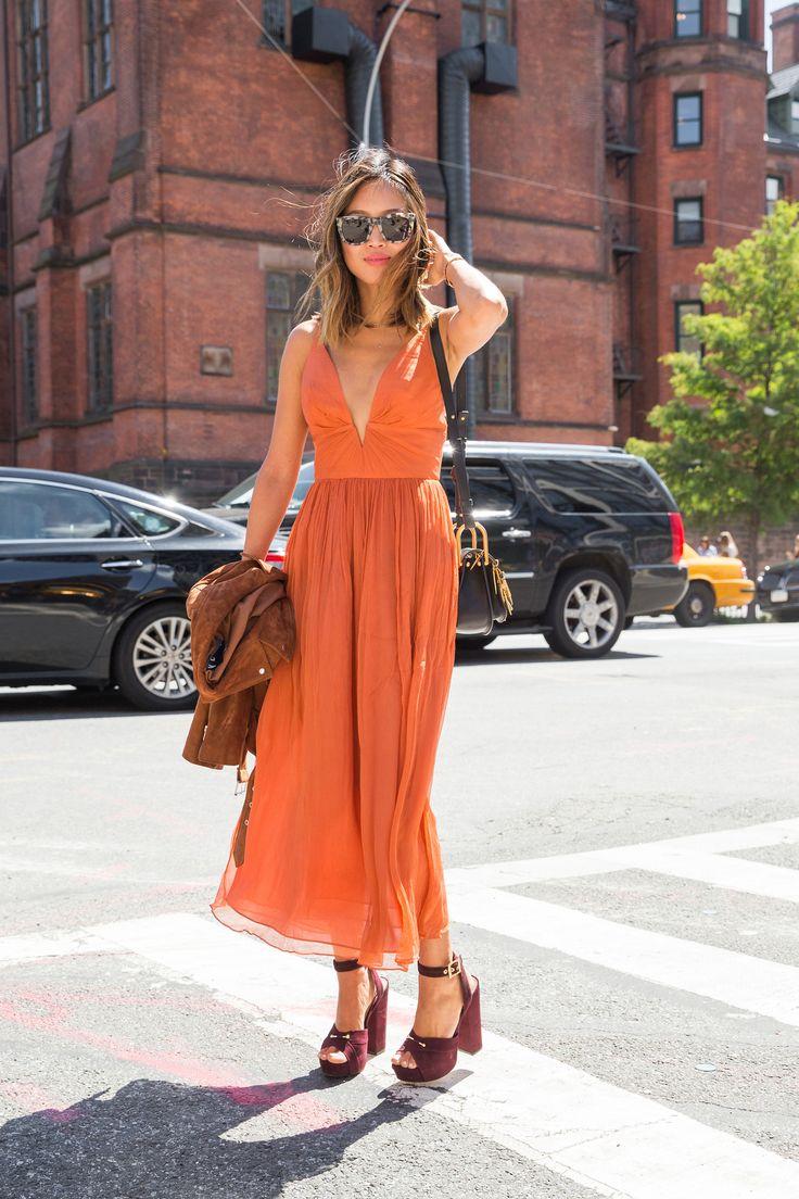7-vo-avgust-dominira-portokalovata-boja-eve-kako-ja-kombiniraat-zhenite-so-stil-www.kafepauza.mk_