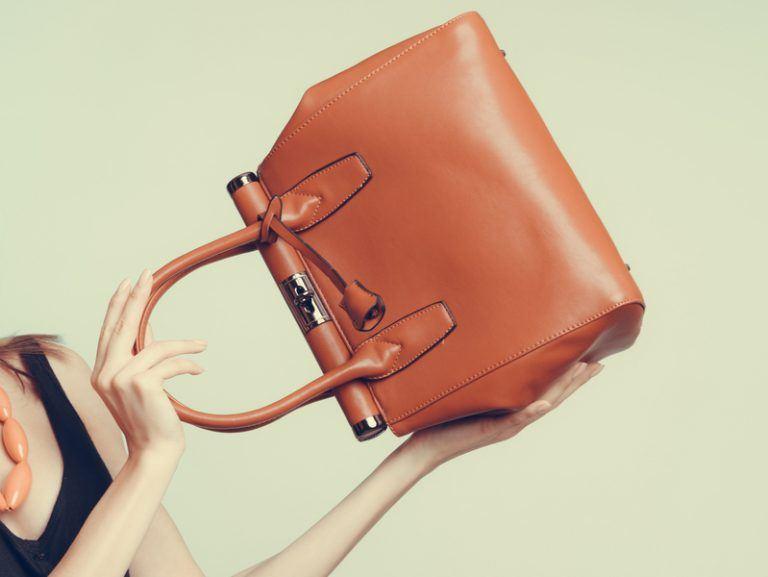 (7)kako-da-se-oblekuvate-kako-minimalist-bez-da-vi-bide-zdodevno-kafepauza.mk