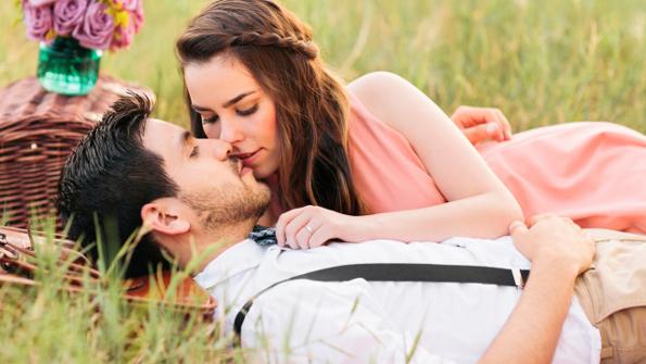 12 знаци што ќе ви покажат дека со него ве очекува ерупција од страст