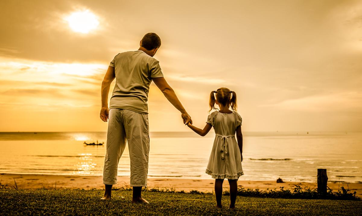 Татковците имаат поголемо влијание врз животот на ќерките за разлика од мајките