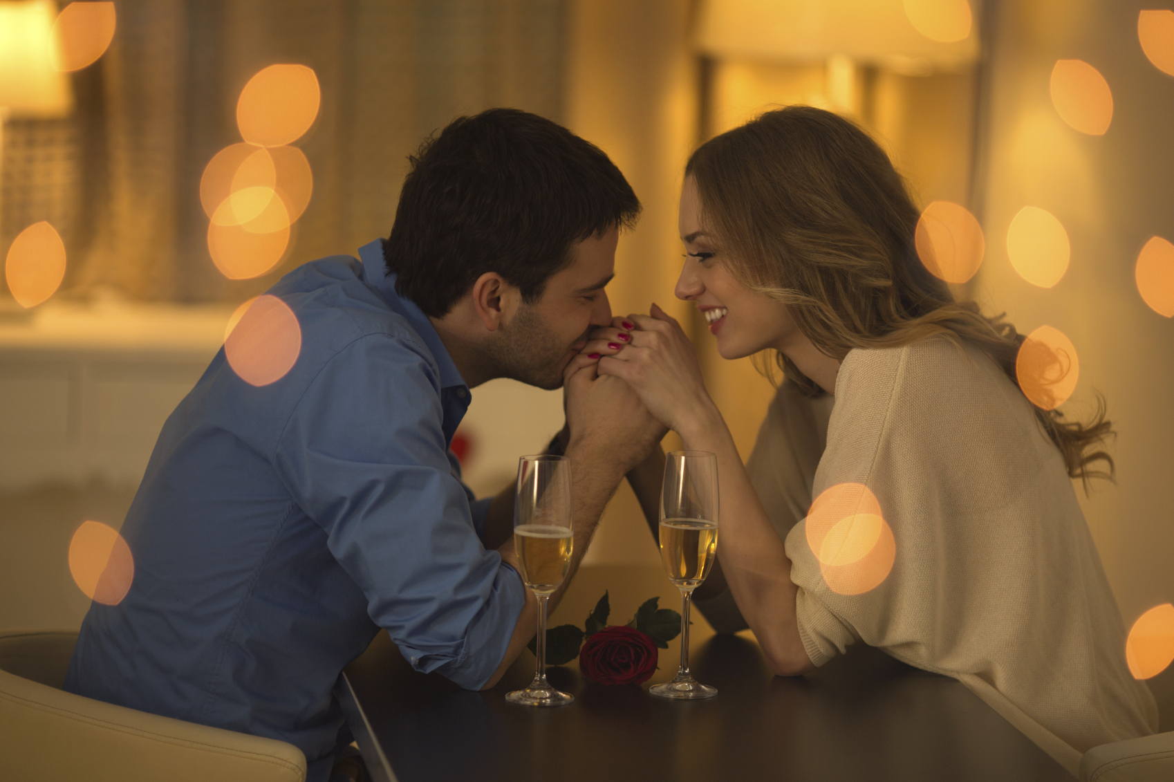 1-za-samo-30-sekundi-navika-so-koja-kje-ja-vratite-zaljubenosta-od-pochetokot-na-ljubovnata-vrska-www,kafepauza.mk_