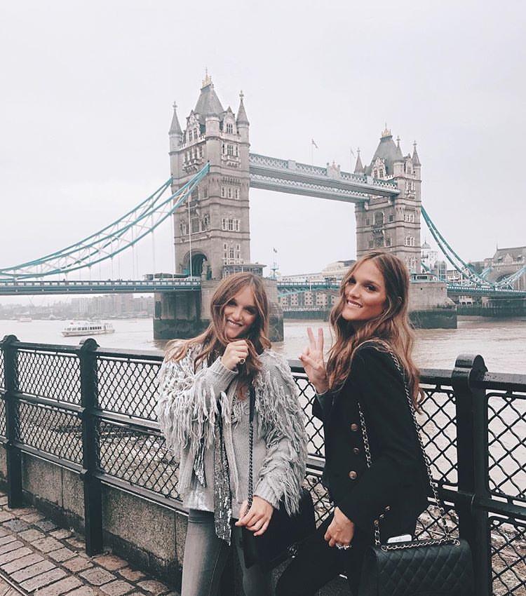 23-ameli-i-elisa-zapoznajte-gi-dvete-najmoderni-sestri-na-instagram-www.kafepauza.mk_