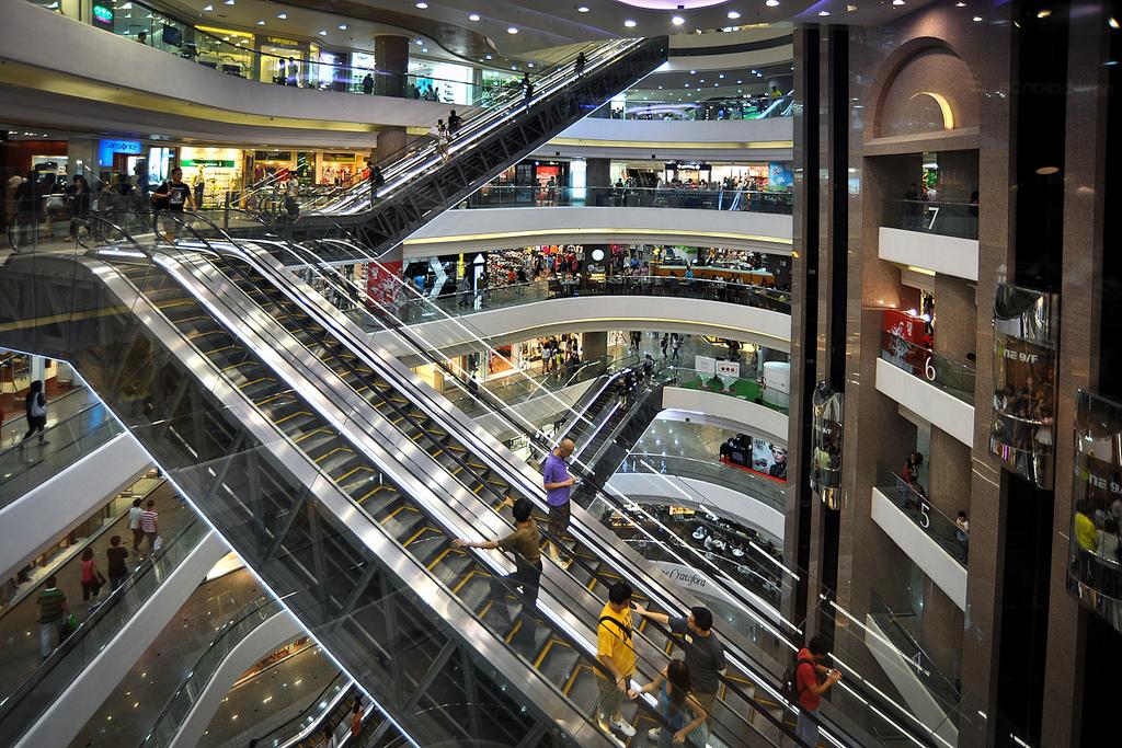 3-vreme-e-za-modno-patuvanje-top-10-najdobri-gradovi-za-shoping-www.kafepauza.mk_