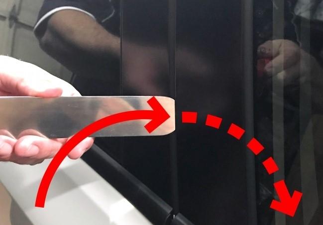 (5)10-metodi-koi-kje-vi-pomognat-da-go-otkluchite-avtomobilot-ako-ste-gi-zakluchile-kluchevite-vnatre-kafepauza.mk