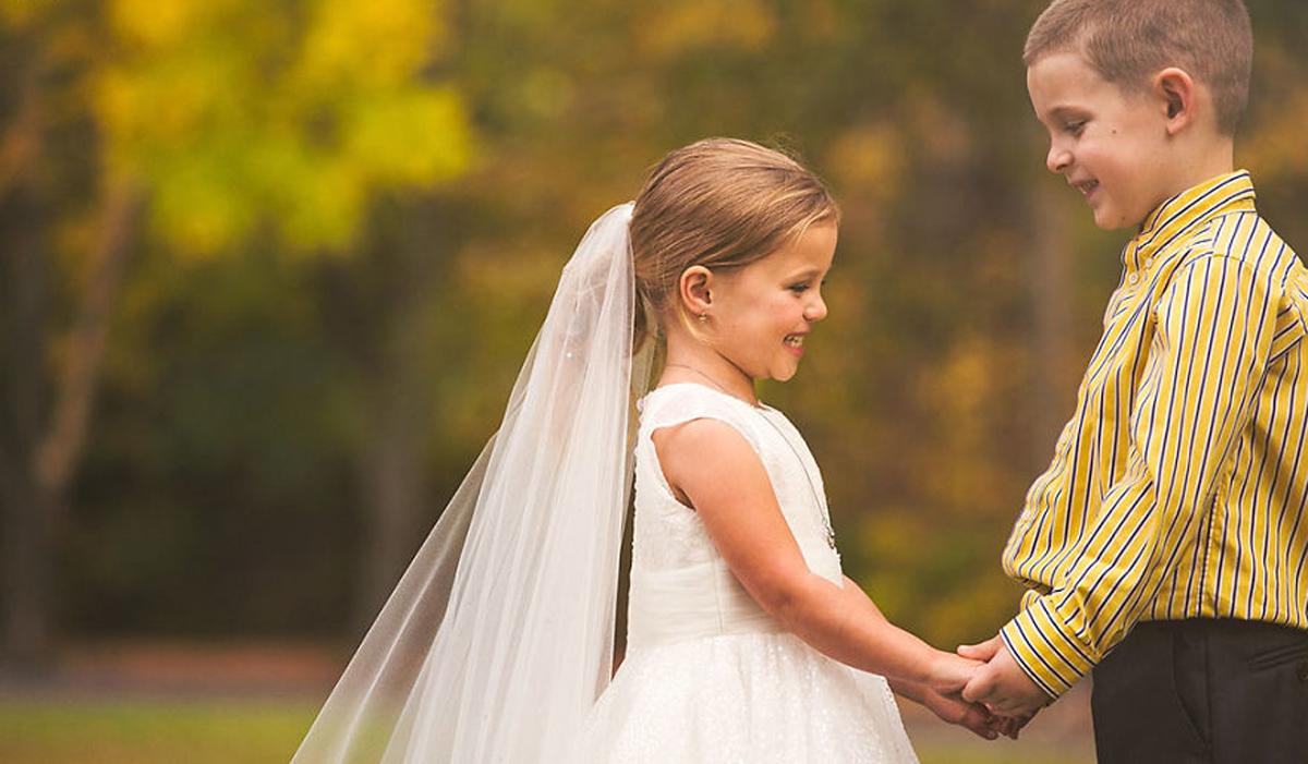Неодолива свадбена фотосесија: 5-годишно девојче со срцева мана посакало да се омажи со најдобриот пријател