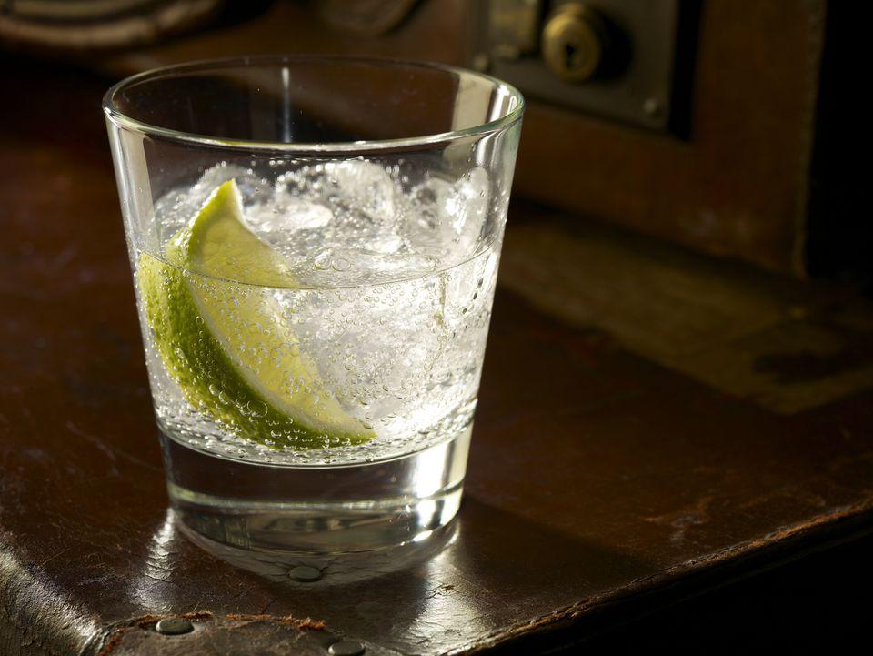 2-alkoholni-pijalaci-koi-gi-narachuvaat-samo-fit-devojkite-www.kafepauza.mk_