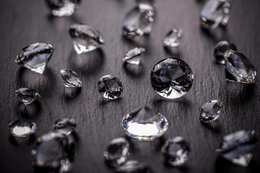 3-interesni-fakti-sѐ-shto-ne-ste-znaele-za-dijamantite-www.kafepauza.mk_