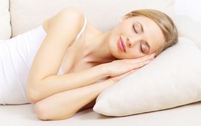 Киропрактичарите предупредуваат: Немојте да спиете на вашата десна страна!