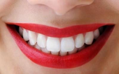 11 природни лекови за вашите заби