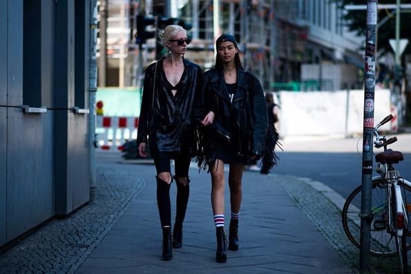 2-moderna-i-so-stil-6-modni-trendovi-za-prolet-2018-koi-mozhete-da-gi-nosite-i-sega-www.kafepauza.mk_