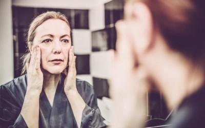 7 симптоми на кожа во менопауза и што да правите во врска со нив