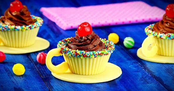 6-7-chokoladni-dekoracii-za-koi-nema-da-znaete-dali-se-poubavi-ili-povkusni-www.kafepauza.mk_