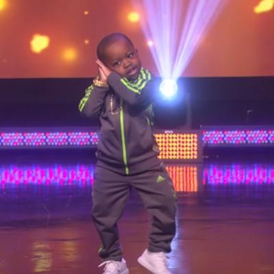 6-годишен танчар кој ќе ви ги освои срцата