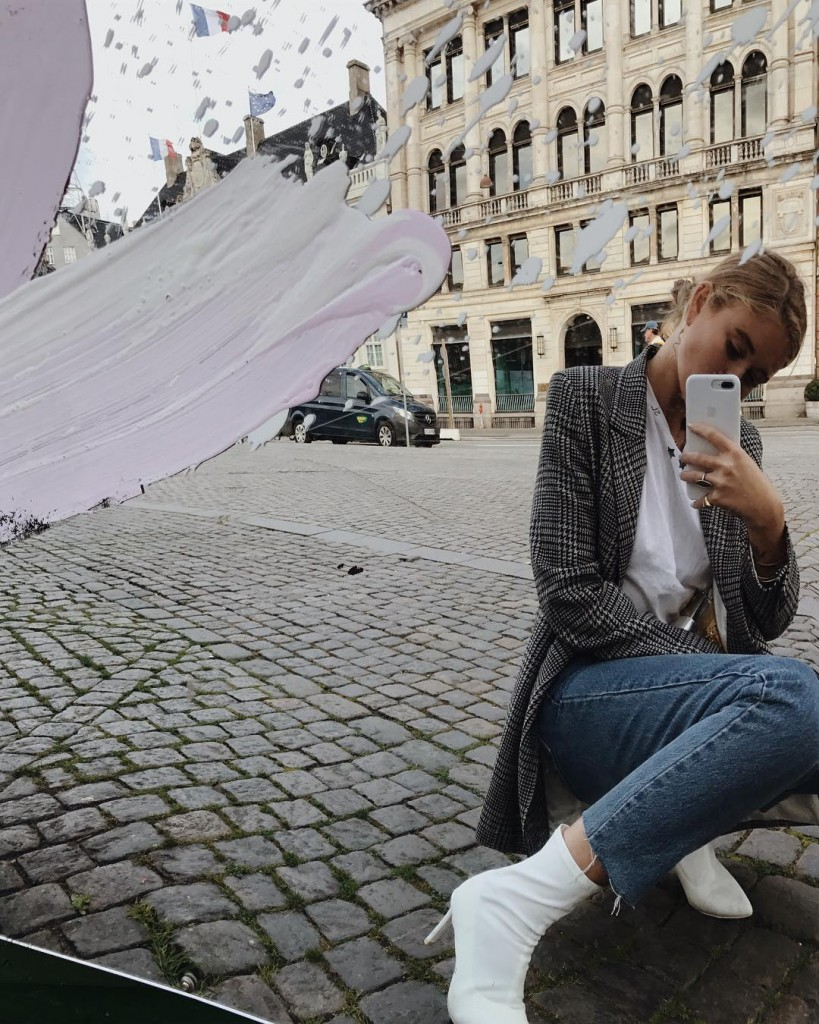 (1)trikovi-za-sovrshena-selfi-fotografija-vo-ogledalo-kafepauza.mk