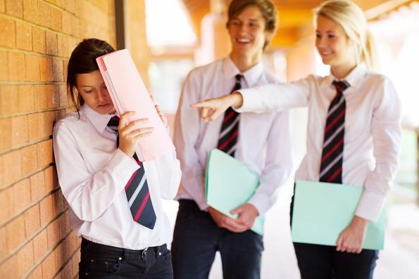 Психолозите одговараат: Дали униформите навистина ги намалуваат разликите помеѓу децата?