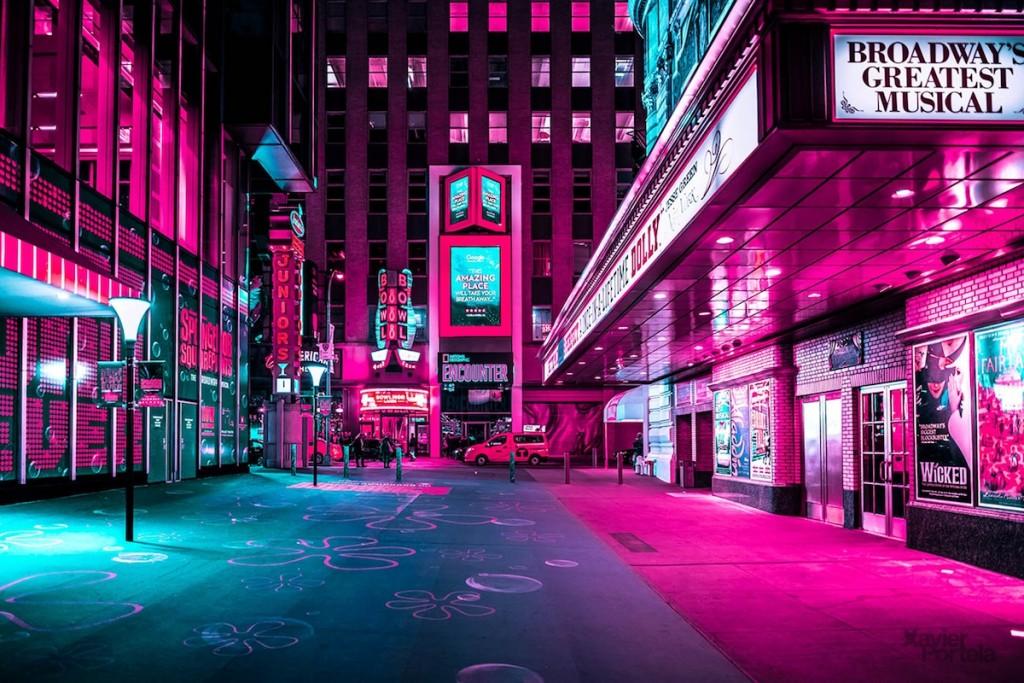 (11)neverojatni-fotografii-od-nokjnite-neonski-svetla-na-njujork-kafepauza.mk