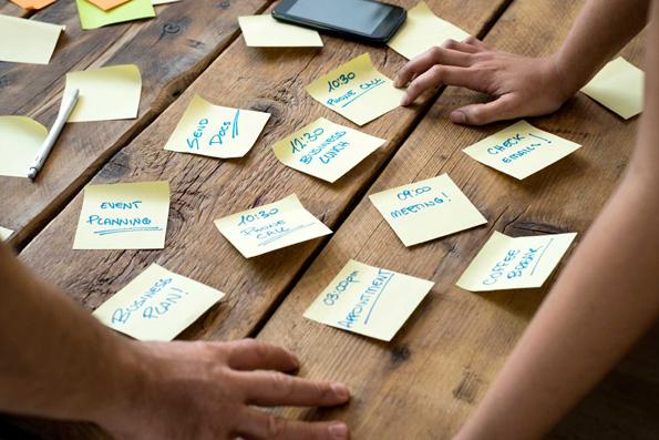 9 предмети што никогаш не треба да ги чувате на вашата работна маса во канцеларија