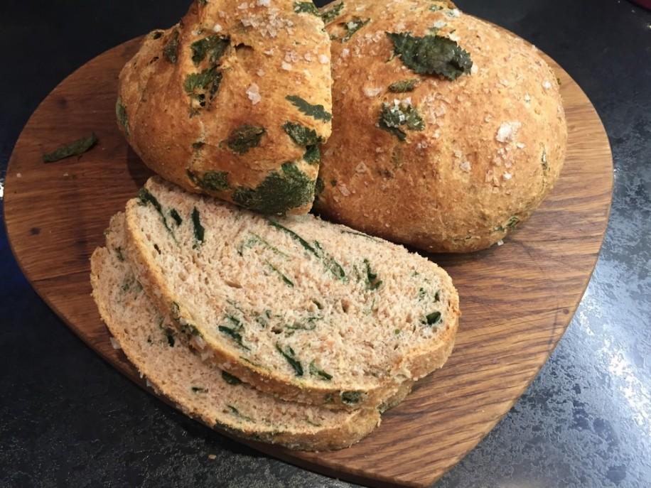 Вегански рецепт за леб со коприва