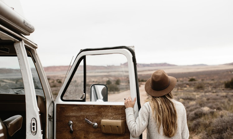 Зошто е поважно да барате авантура отколку сродна душа во вашите 20-ти?
