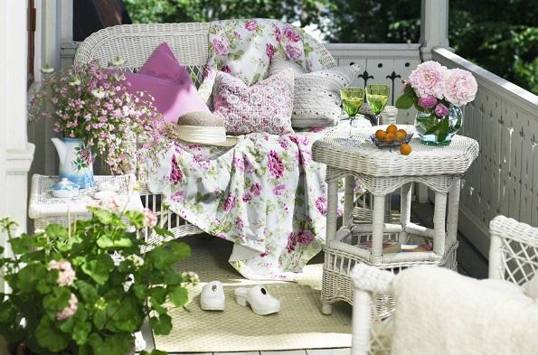 Неколку идеи како вашиот балкон го претворите во место за уживање