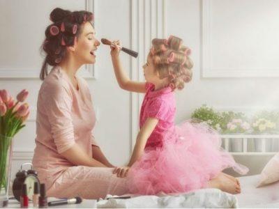 5 начини на кои се менува жената откако ќе добие ќерка