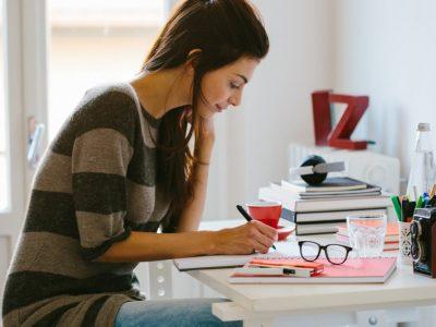 Дали атрактивните луѓе заработуваат подобро од останатите?