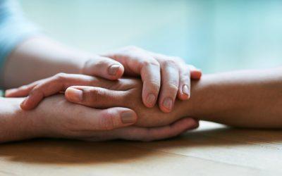 Како да ѝ дадете безрезервна поддршка на личност којашто страда, без да ѝ ја одземете личната слобода?