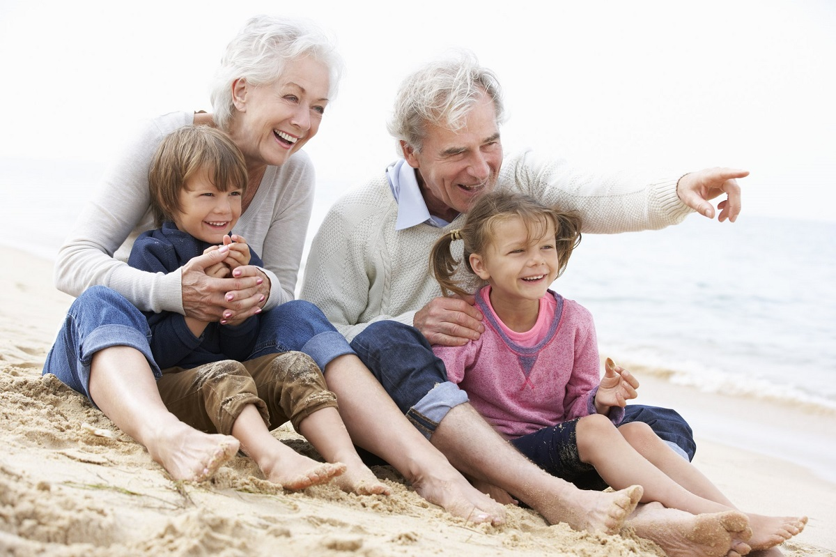 10 најлоши нешта со кои бабите и дедовците ги излудуваат родителите