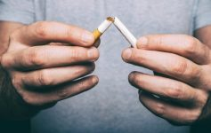 2 едноставни вежби што ќе ви помогнат да се откажете од цигарите