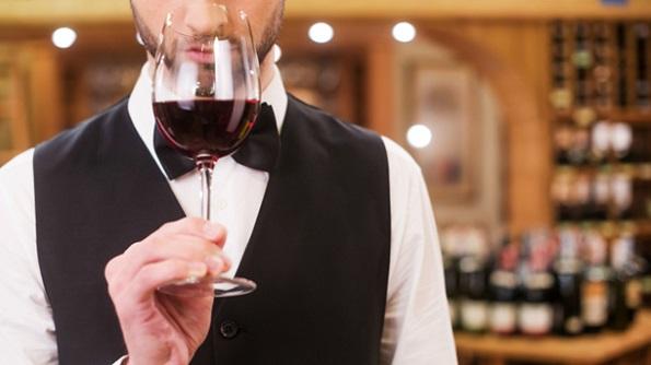 Како правилно да се пие вино, според советите на врвни сомелиери