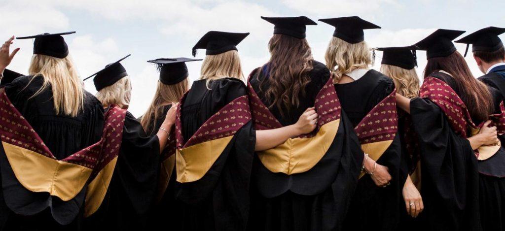 Совети кои некои девојки би сакале да ги знаат по завршувањето факултет