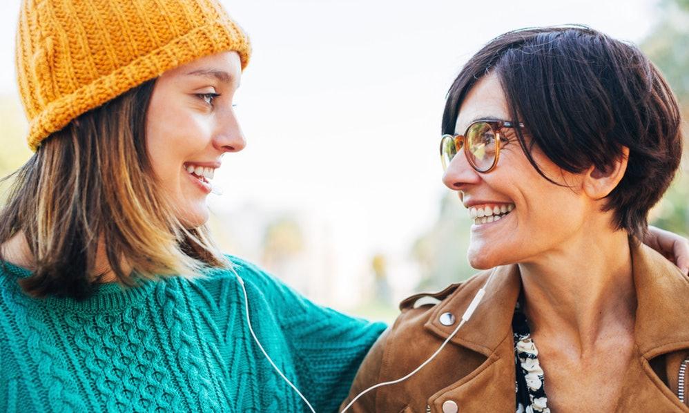 Совети од 8 мајки: Како да бидете добра девојка во 20-тите?