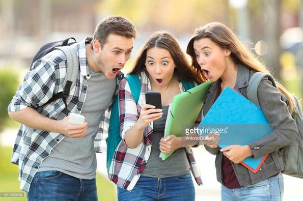 Смешни фотографии: Зошто оваа девојка се шокира од сè што гледа пред себе?