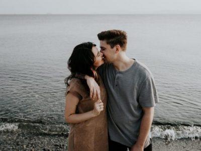 8 нешта што другите не разбираат дека ги правите бидејќи сте во стабилна врска