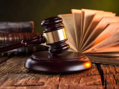 """Гневните адвокатки се сметаат за """"хистерични"""", а гневните адвокати за """"моќни"""""""