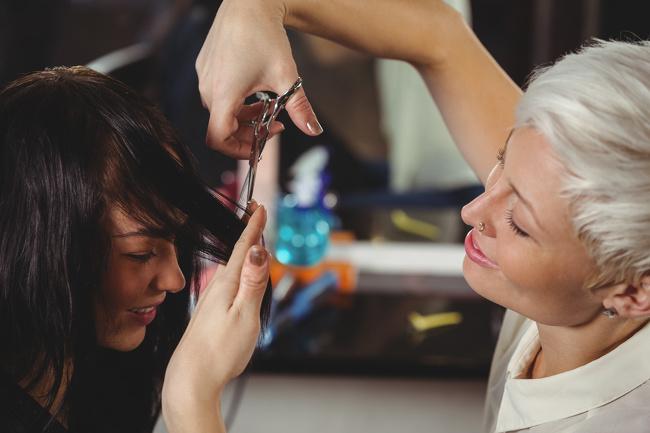 Како да ја направите вашата коса подолга и погуста за само 30 дена?